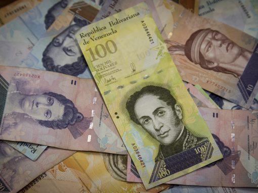 Economista Ronald Balza: Las reconversiones mal hechas en Venezuela eliminaron el dinero en efectivo