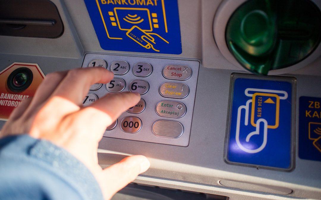 Instalado en Argentina el primer cajero automático que opera con dólares