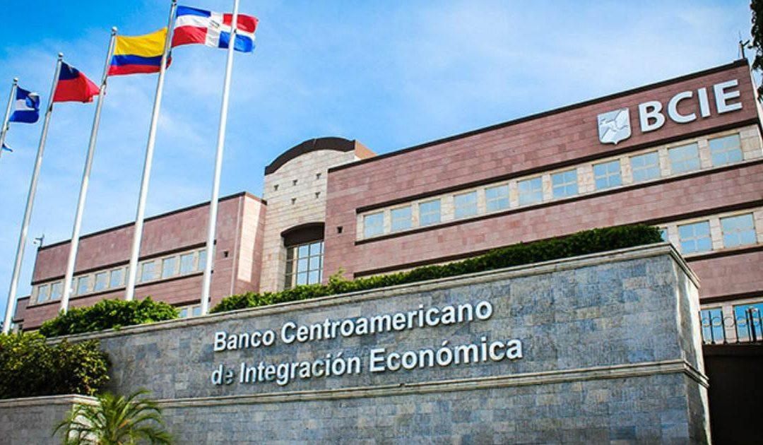 BCIE aprueba crédito millonario para vacunas contra coronavirus en Centroamérica