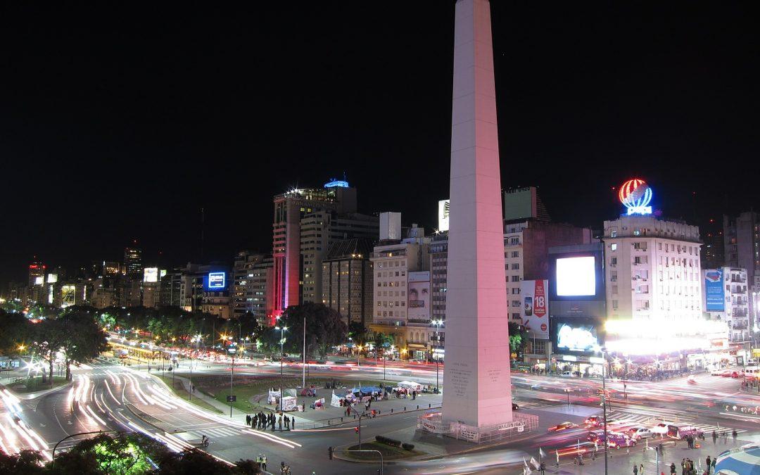 """Argentina logra acuerdo con sus acreedores que le permitirá tener un """"alivio de deuda significativo"""""""