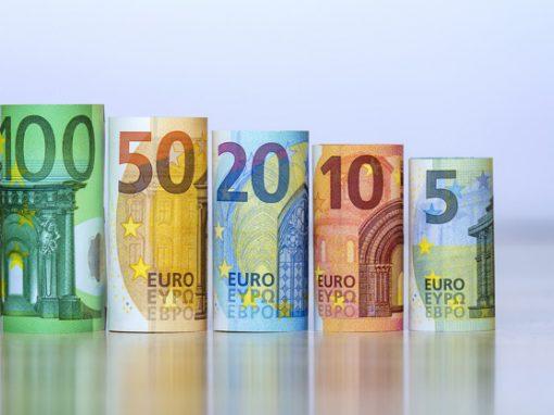 Euro cae 0,2% ante expectativa por reunión del BCE