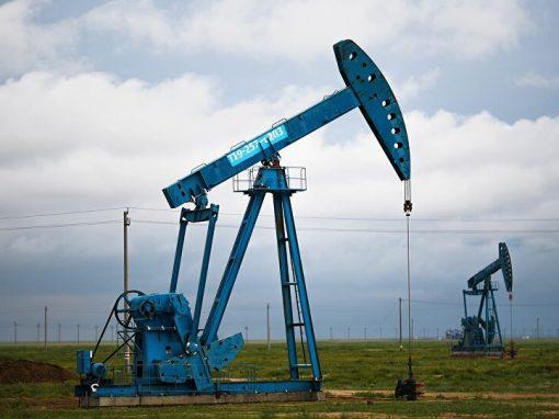Petróleo alcanza su mayor nivel en más de dos años