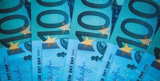 Euro pierde frente al dólar ante espera de anuncios económicos de Joe Biden