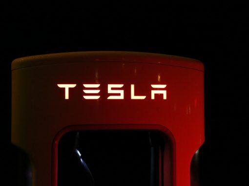 Tesla registró un beneficio neto semestral de 1.337 millones