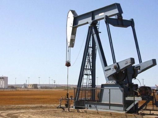 Petróleo se encamina a cerrar la semana con ganancias