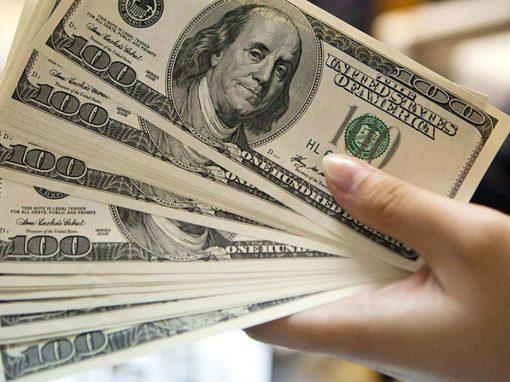 Dólar alcanza máximo de dos semanas