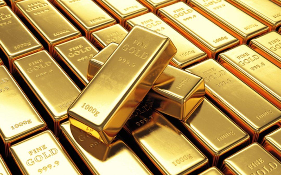 Precio del oro ha caído un 13% desde su máximo histórico de hace un año