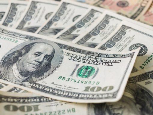 Dólar avanza este jueves antes de datos empleo EEUU
