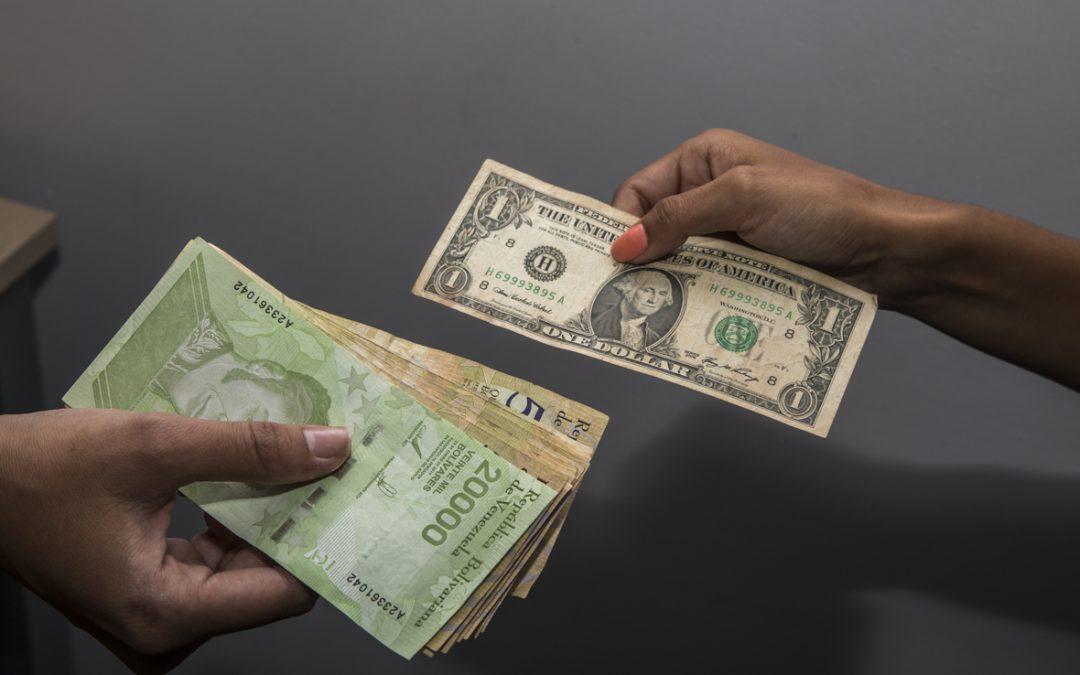 Precio del dólar en Venezuela se ha encarecido un 40% en lo que va de año