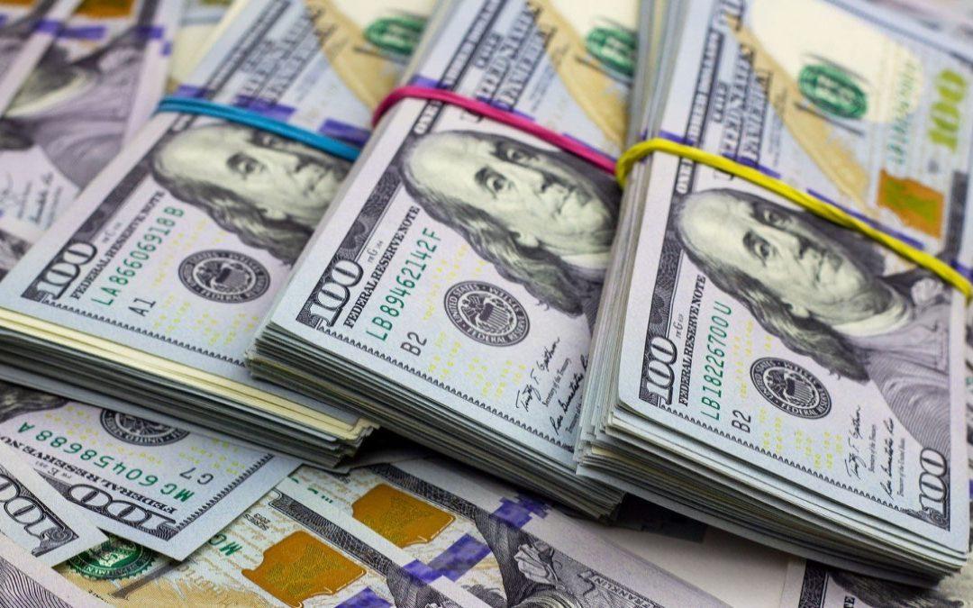 Banca venezolana captó más de 1.000 millones de dólares en agosto