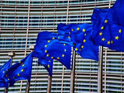 """Comisión Europea pide """"dejar atrás"""" las disputas comerciales con Estados Unidos"""