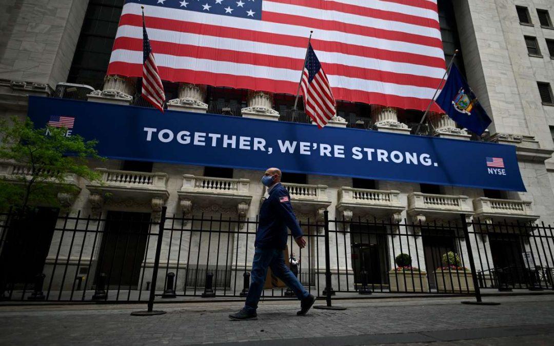 Wall Street abre el viernes en rojo, con el Dow Jones cayendo 0,09%