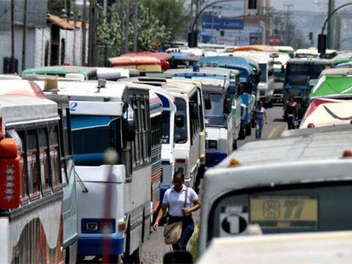 75% de las unidades de transporte público en Venezuela están paralizadas, estima experta