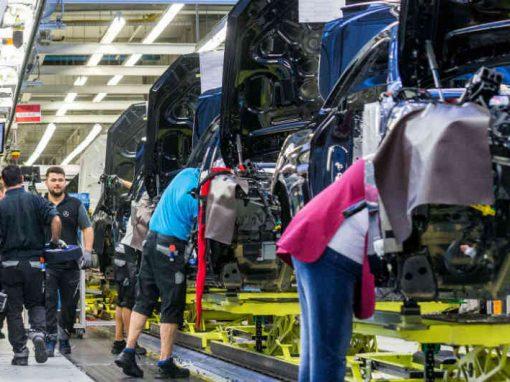 Producción industrial de Colombia subió un 1,5% en diciembre, luego de nueve meses de bajas