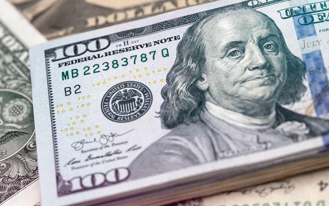 Dólar avanza un 0,2% este viernes por alza de rendimientos de bonos EEUU