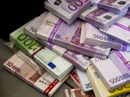 Euro cae ante el dólar luego de declaraciones del presidente de la Fed