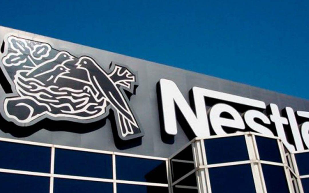 Las ventas de Nestlé cayeron un 8,9% en 2020