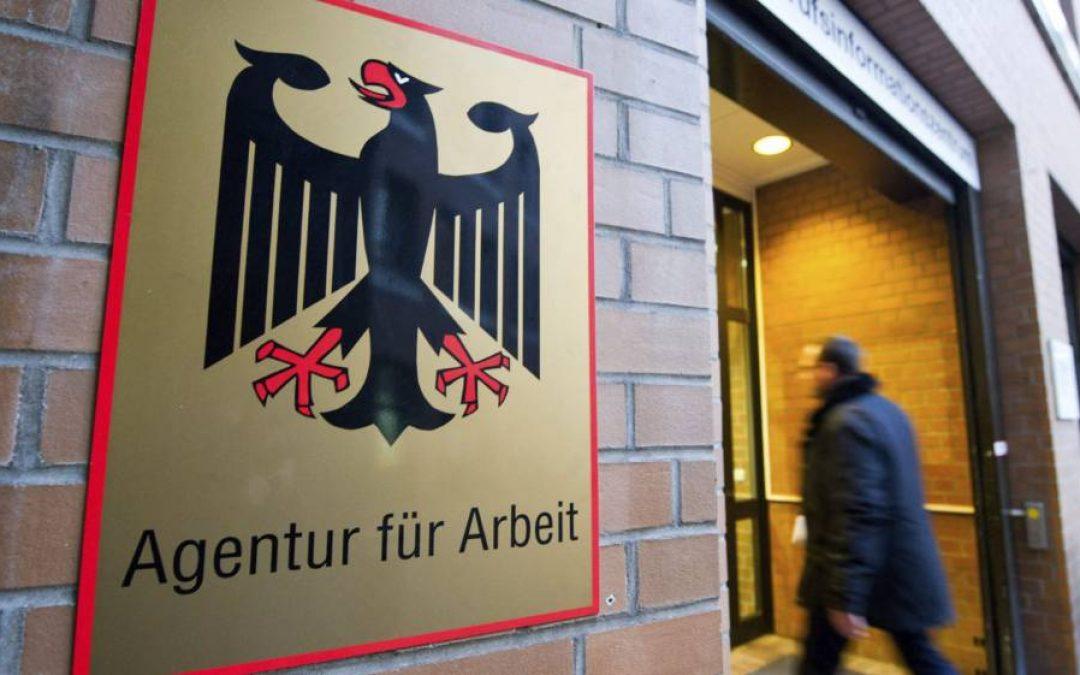 Desempleo alemán sube en febrero por primera vez en 7 meses