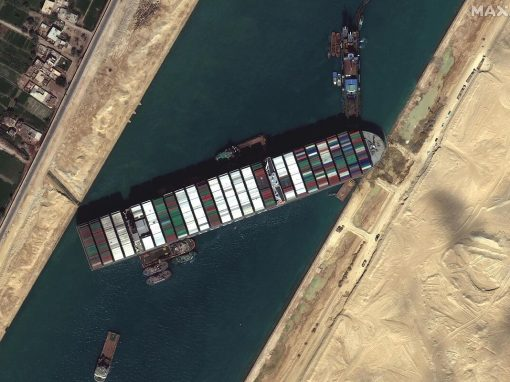 El bloqueo del Canal de Suez podría generar millonarias pérdidas a las reaseguradoras