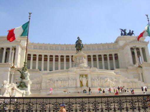 Italia bajará previsión de su economía para 2021 y elevará la de 2022