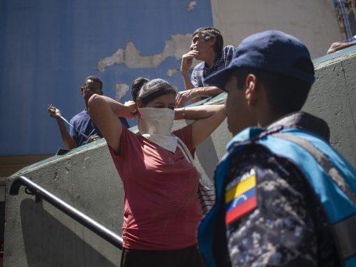Un estado de Venezuela aplicará multas de USD 10 a quienes no usen tapabocas y desacaten cuarentena
