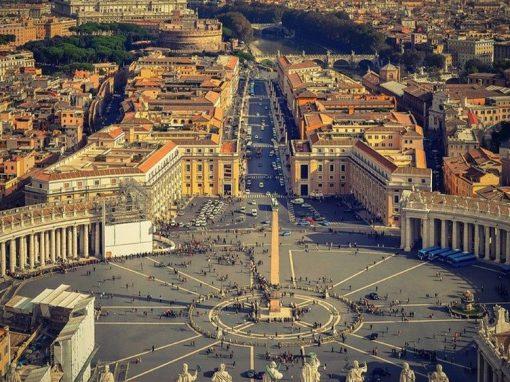 Vaticano: Los gastos militares se deben desviar para mejorar la salud y combatir la pobreza