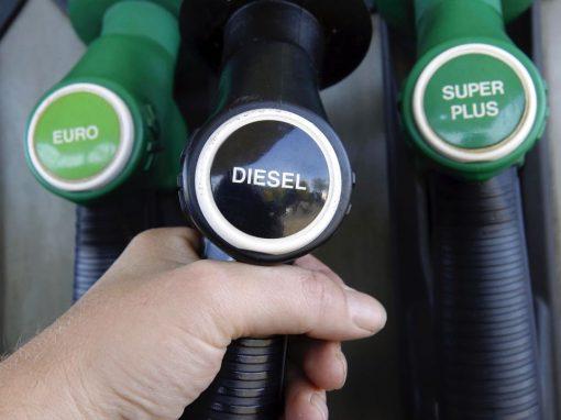 El diésel en Venezuela se vende a $4 por litro en el mercado negro, denuncia Conindustria