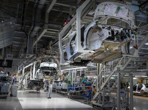La demanda impulsó la actividad de las fábricas de la eurozona