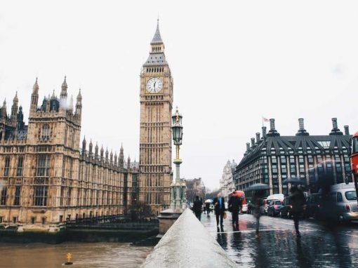 Inflación en Reino Unido bajó 0,4% en febrero