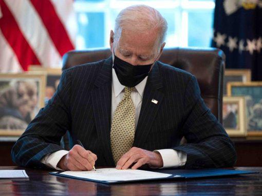 Biden firmó la extensión del programa de ayudas para pequeñas empresas