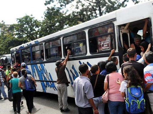 Transportistas venezolanos aspiran aumentar el pasaje a 1,5 millones de bolívares