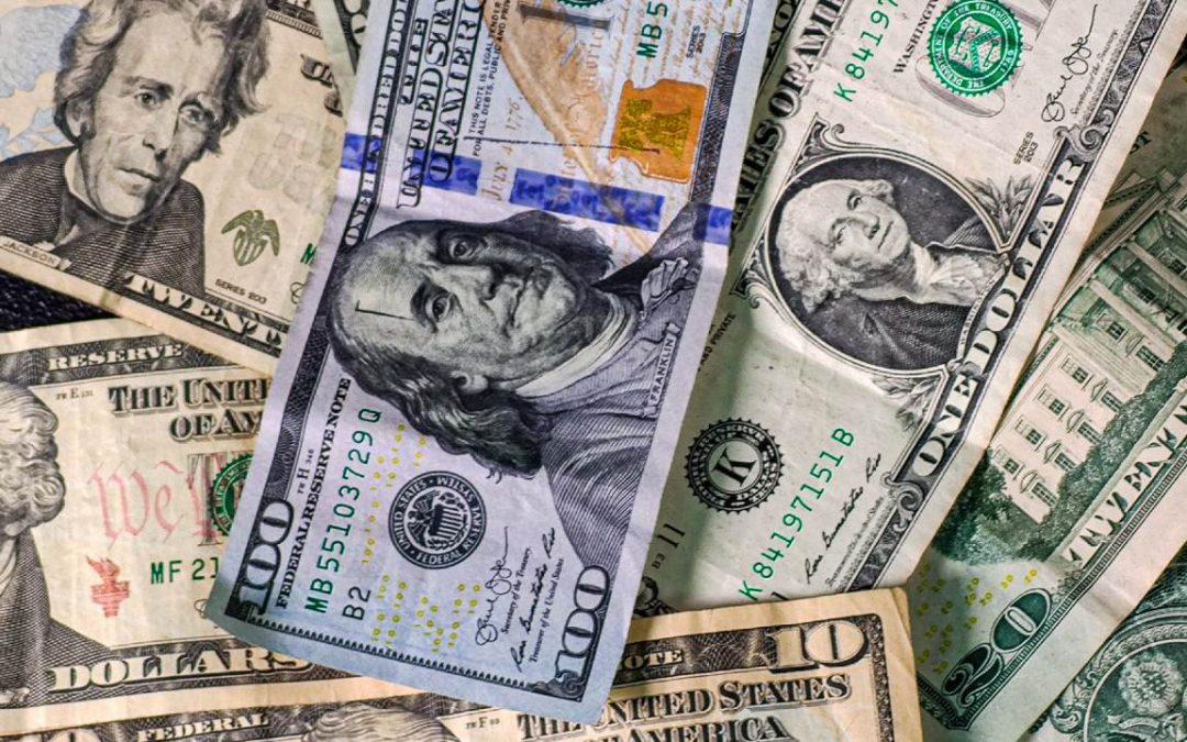 Advierte economista venezolano: Hay una gran exclusión de personas en la economía dolarizada
