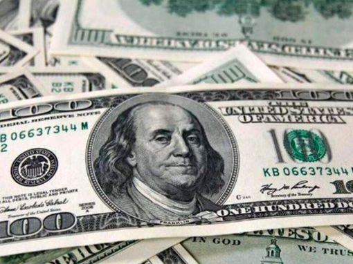Dólar avanza mientras inversores esperan anuncios de la Fed