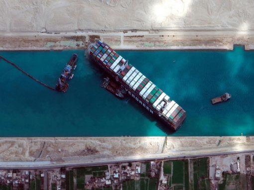 """Autoridad del Canal de Suez reclamó 916 millones de dólares al """"Ever Given"""""""