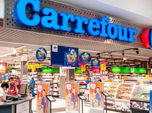 Carrefour: La primera empresa española en ceder espacios para agilizar la vacunación contra el covid