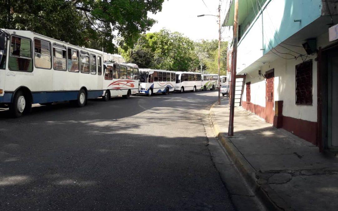 De 3 a 5 dólares debe pagar un transportista en Caracas si quiere saltarse la cola para surtirse de gasoil