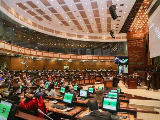 Parlamento de Ecuador aprobó ley de defensa de la dolarización