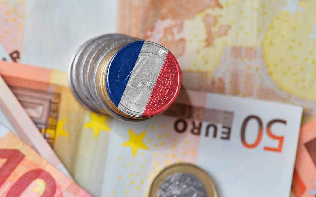 Francia estima recuperar su economía anterior al Covid-19 en 2022