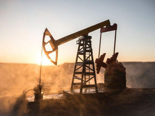 Petróleo registra ganancias por bajas en inventarios EEUU