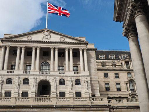 Banco de Inglaterra eleva su previsión del PIB británico para 2021