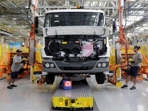 PMI manufacturero de Brasil registra una caída en abril