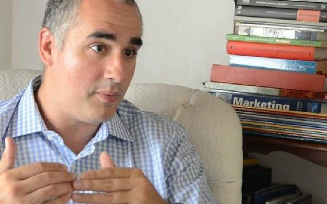 Economista Luis Oliveros: El subsidio de la gasolina no desaparecerá en Venezuela