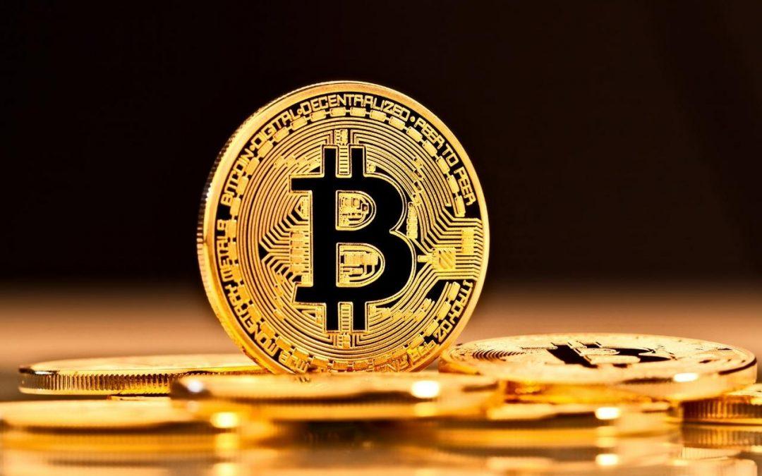 Bitcoin abre al alza este jueves y sobre los 44 mil dólares