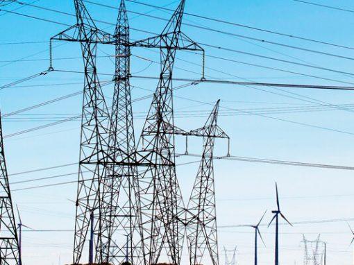 Sector eléctrico español redujo su déficit en más de 1.000 millones en 2020