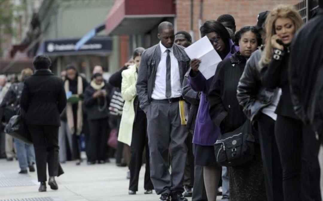 Desempleo en EEUU cae un 5,8% en mayo