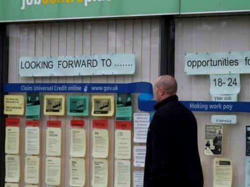 Desempleo en el Reino Unido baja al 4,7% entre febrero y abril
