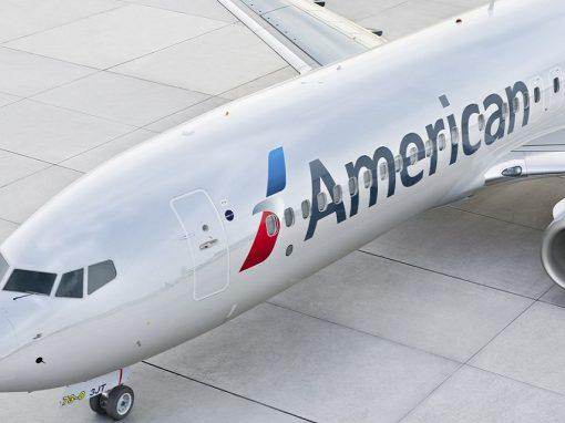 American Airlines pide a sus pilotos que conserven combustible ante la escasez
