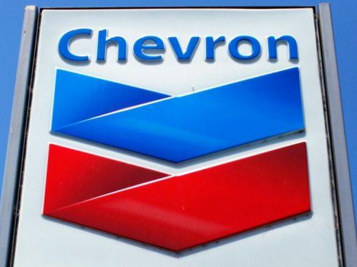 Chevron registró su mayor utilidad en seis trimestres