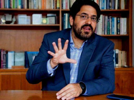 """Asdrúbal Oliveros: """"Una economía sin créditos «es difícil que puede experimentar un crecimiento sostenido"""""""