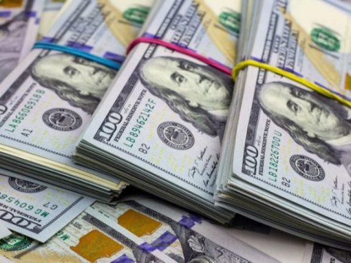 ¡A pocas horas de la reconversión!  Dólar paralelo despega a casi 5 millones
